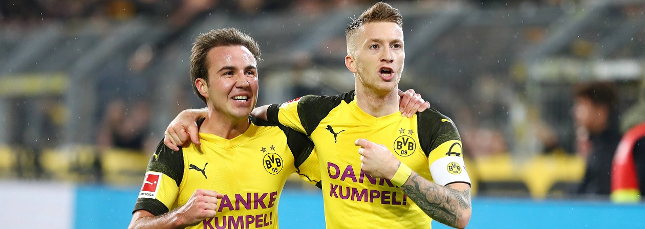Marco Reus and Mario Götze celebrated with their team in the first half of the Bundesliga season. Will Borussia Dortmund win the German championship?